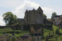 Het kasteel van Salignac bepaalt de 'skyline', maar loop er eens om heen!