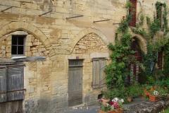 In de smalle steegjes rond het kasteel lijkt de tijd te hebben stilgestaan