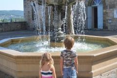 In Terrasson vind je op ieder niveau fonteinen
