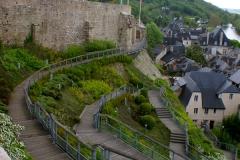 Loop buitenomnaar de oude stad via de nieuwe trappen, of...